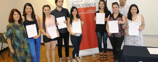 ESTUDIANTES RECIBIERON SU 'DIPLOMADO DE INTERVENCIONES TERAPÉUTICAS EN LA INFANCIA' DE LA ESCUELA DE PSICOLOGÍA DE LA PUCV